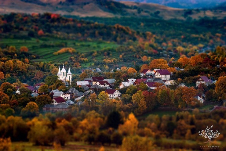 Top 10 Autumn-Maramures-Photo by Alex Robciuc2