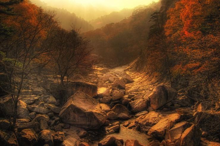Top 10 Autumn-Seoraksan-Photo by Phigelmire
