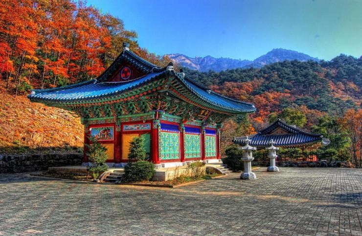 Top 10 Autumn-Seoraksan-Photo by Phigelmire2