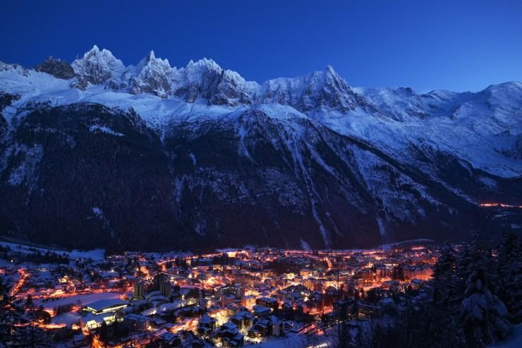 Chamonix Mont-Blanc de nuit