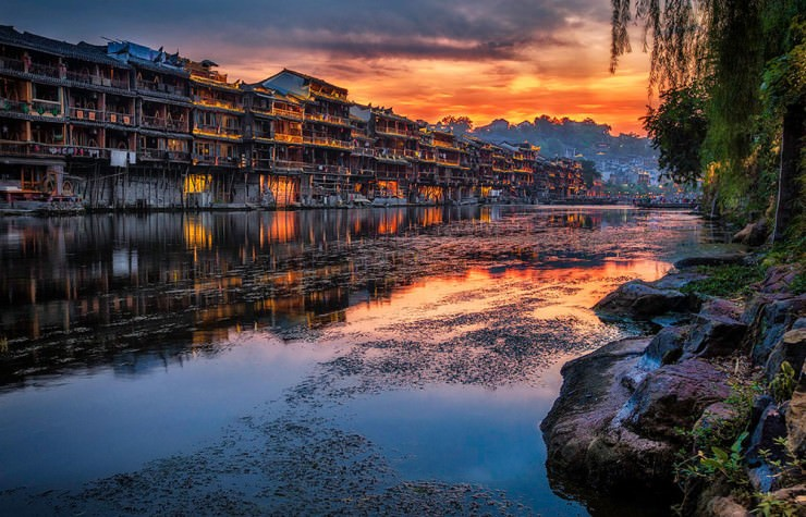 Top Ancient Towns-Phoenix-Photo by Vincent Wong