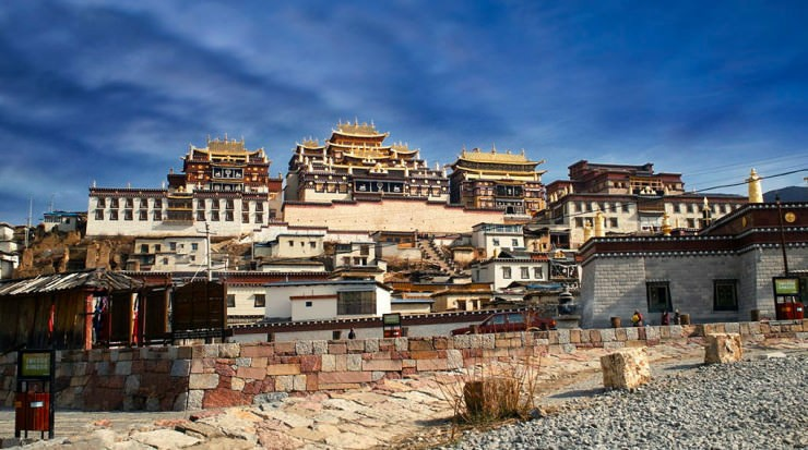 Top Ancient Towns-Songzanlin-Photo by 林 鹏程