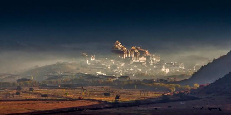 Top Ancient Towns-Songzanlin-Photo by FaceChoo Yong