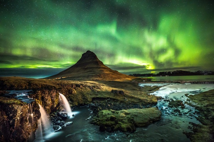 Top Wonders-Aurora-Photo by ozzophotography