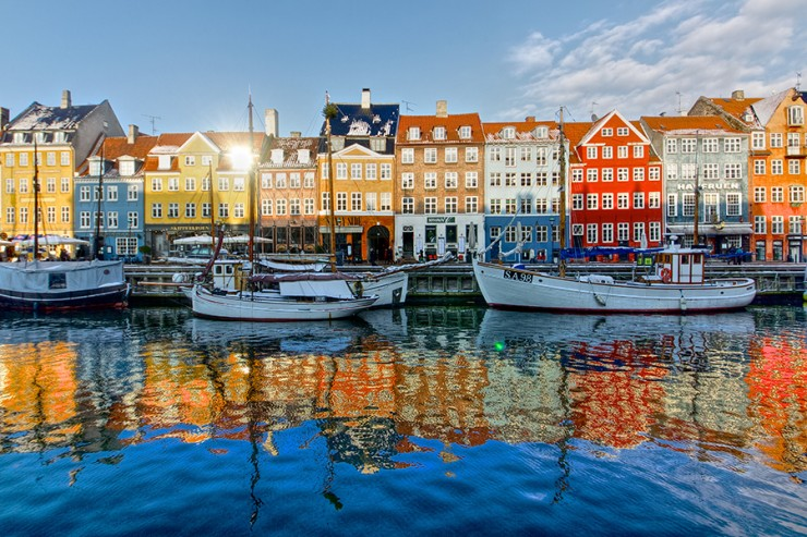 Top 10 Vibrant Harbor Cities