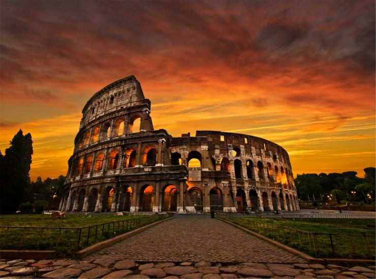 colosseum-Photo by Photo by Roland B