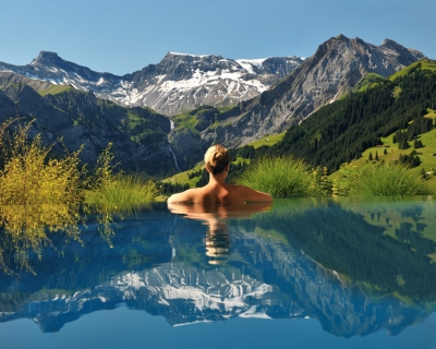 Top 10 Pools with Panoramic Views