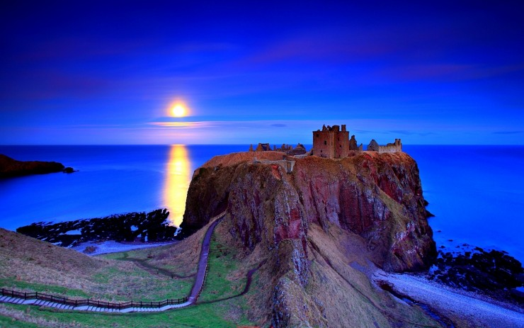 Dunnottar Photo by Angus Clyne