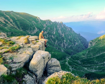 Top 10 Scenic Hiking Routes for the Summer 2016