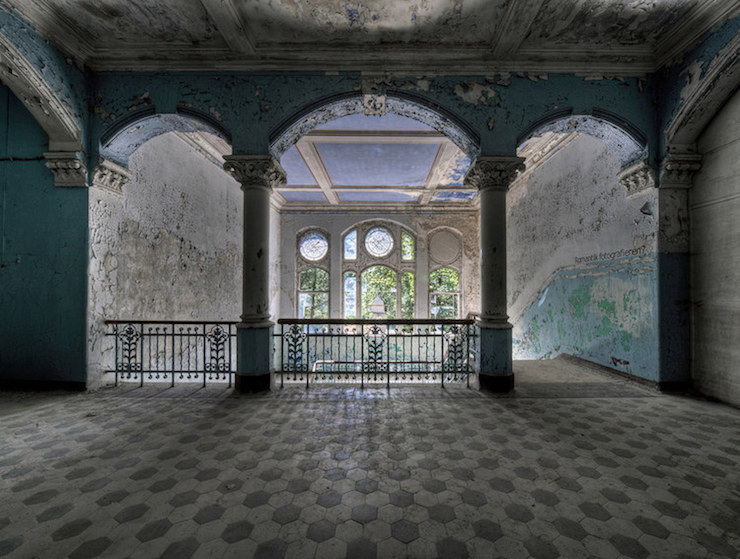 The 13 Most Fascinating Abandoned And Haunted Places In