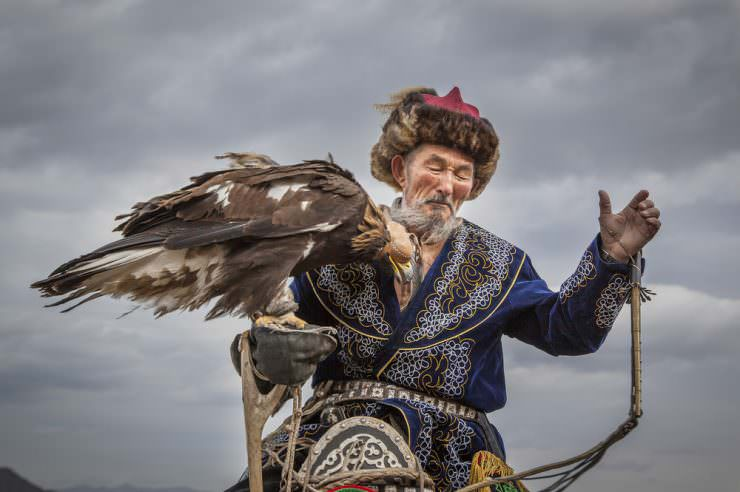 شکارچیان عقاب مغول