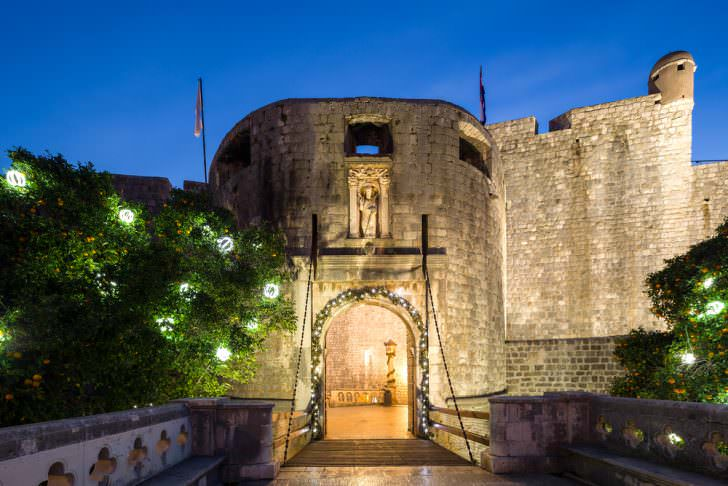 Fortified entrance to the city of Dubrovnik (Pile Gate), Croatia