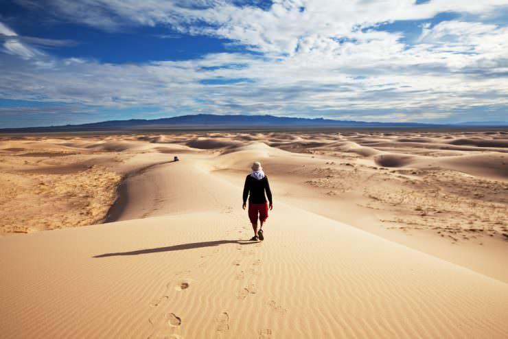 Hike in Gobi Desert, Mongolia