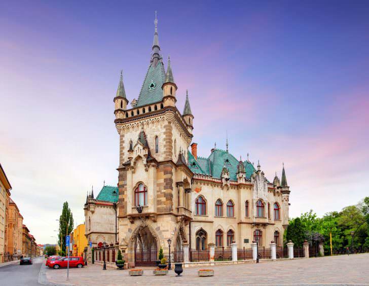 Jakabov Palace