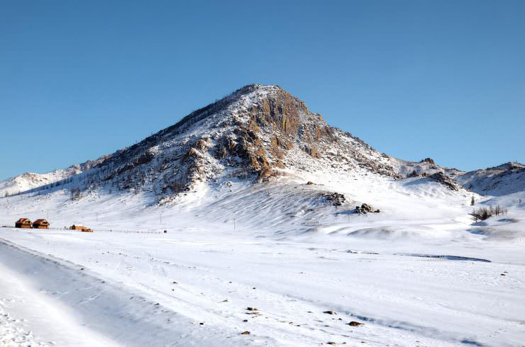Mongolian winter landscape © Julia Baturina | Shutterstock, Inc.