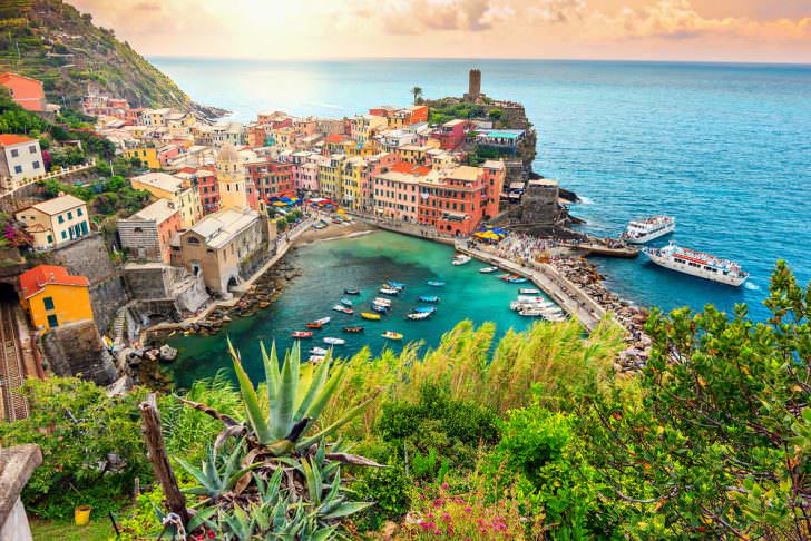 Panorama of Vernazza and suspended garden, Cinque Terre National Park, Liguria, Italy, Europe