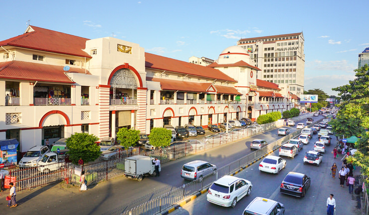 The Sule Boulevard with famous Bogyoke Market
