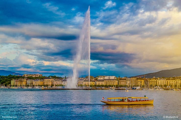 Famous Jet d'Eau fountain in Geneva, Switzerland