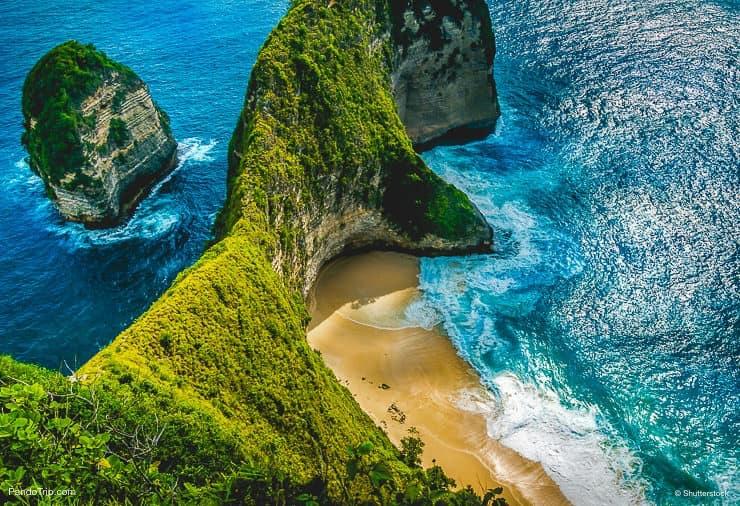 Kelingking Beach on Nusa Penida Island, Bali, Indonesia