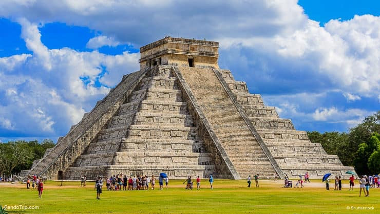 The Kukulkan Temple of Chichen Itza, Mexico