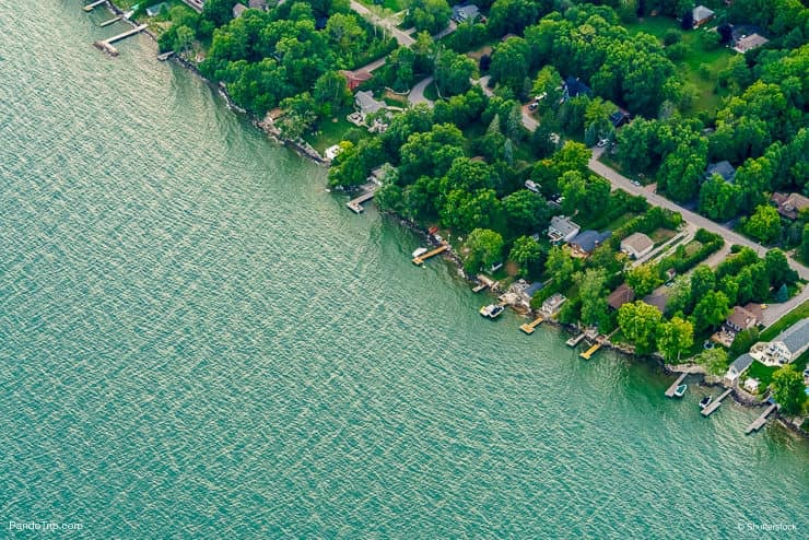 Houses by the Ontario Lake, Canada