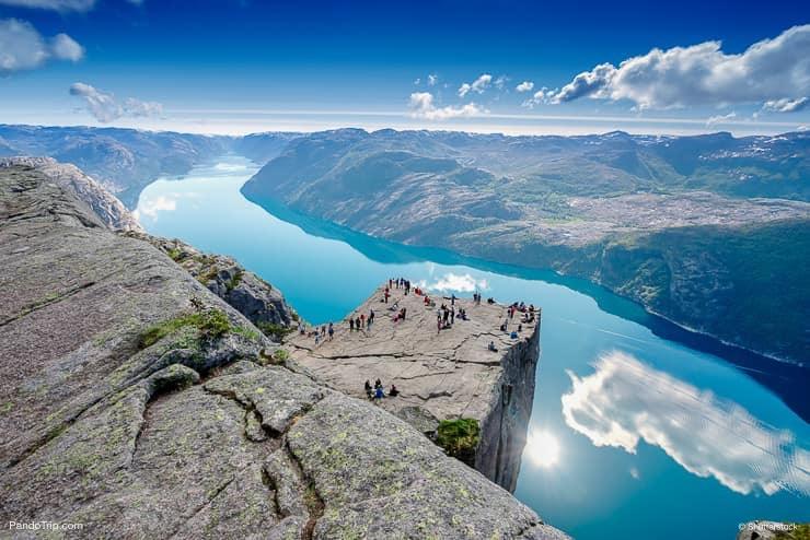 Прекестулен над Люсе-фьордом, Ставангер, Норвегия