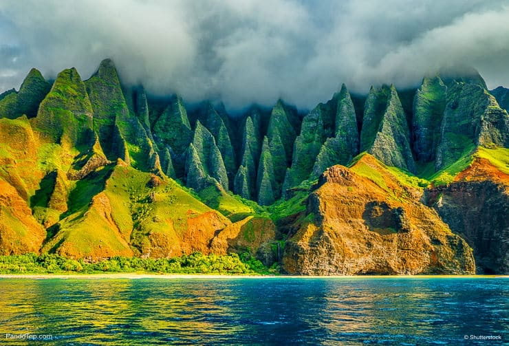 Na Pali coast, Kauai, Hawaii view from sea