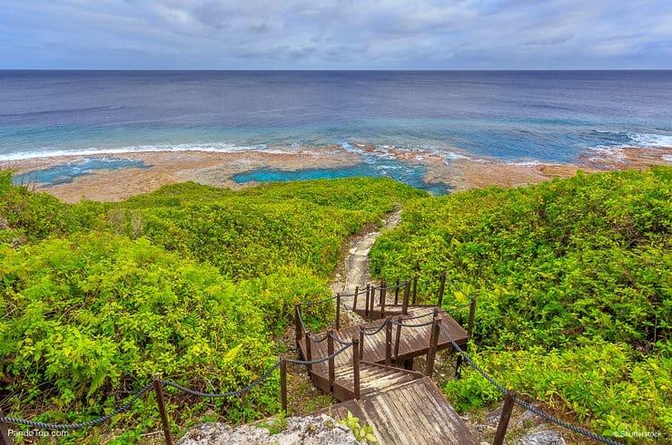 Track to Hikutavake reef, Niue Island