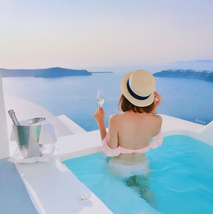 Amazing infinity pool at Grace, Santorini, Greece