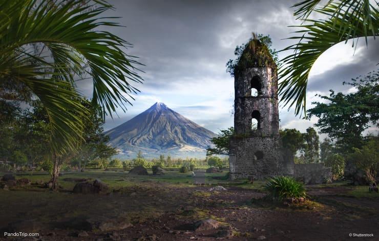 Cagsawa Ruins, Mayon Volcano, Philippines