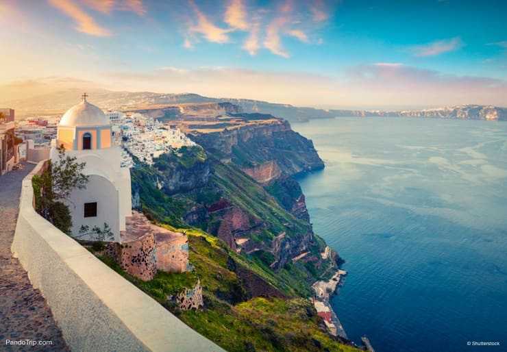 Early morning in Oia, Santorini, Greece