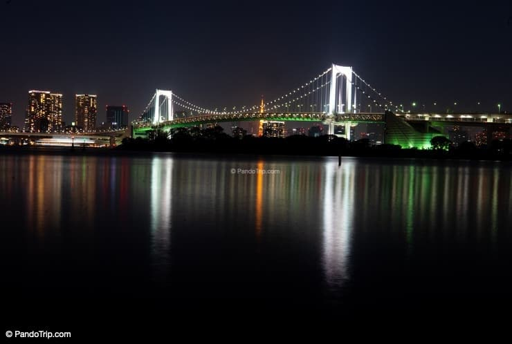 Rainbow Bridge in Odaiba, Tokyo at night