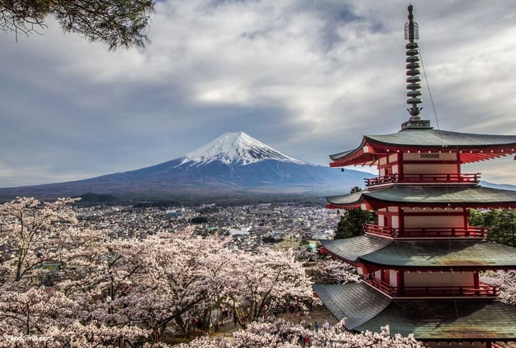 Mount Fuji and Chureito Pagoda in Fujiyoshida