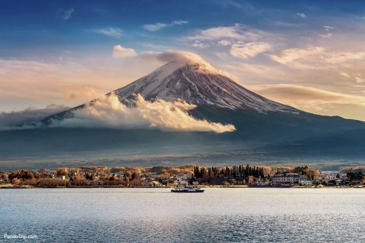 Mount Fuji and Kawaguchiko lake
