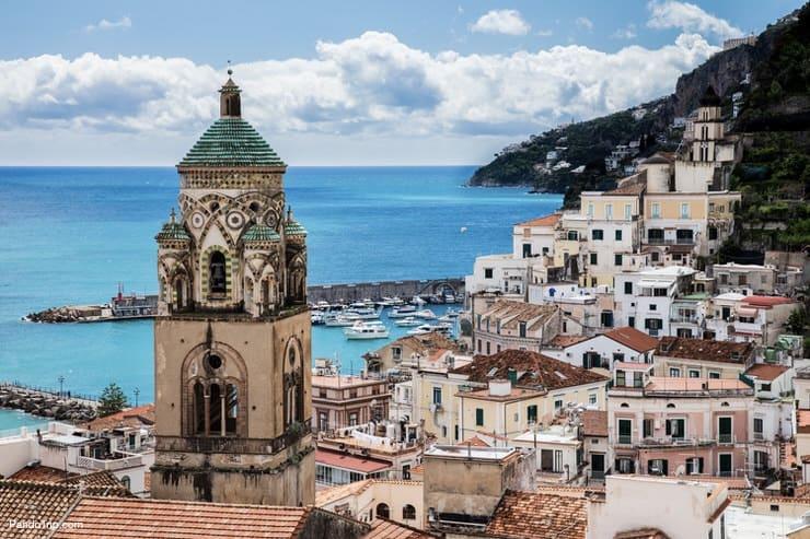 Beautiful Amalfi town, the Amalfi Coast, Italy
